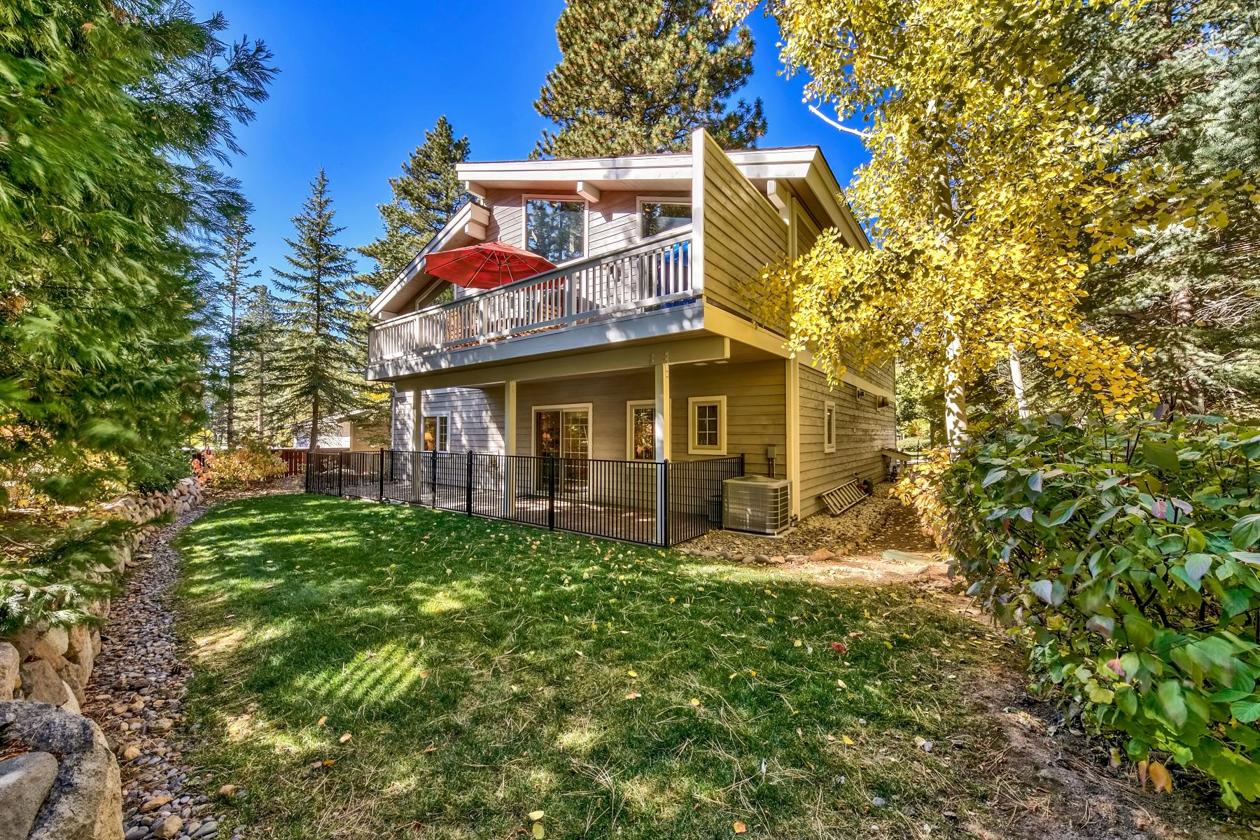 Additional photo for property listing at 258 Deer Ct , Incline Village, NV 89451 258 Deer Court Incline Village, Nevada 89451 Estados Unidos
