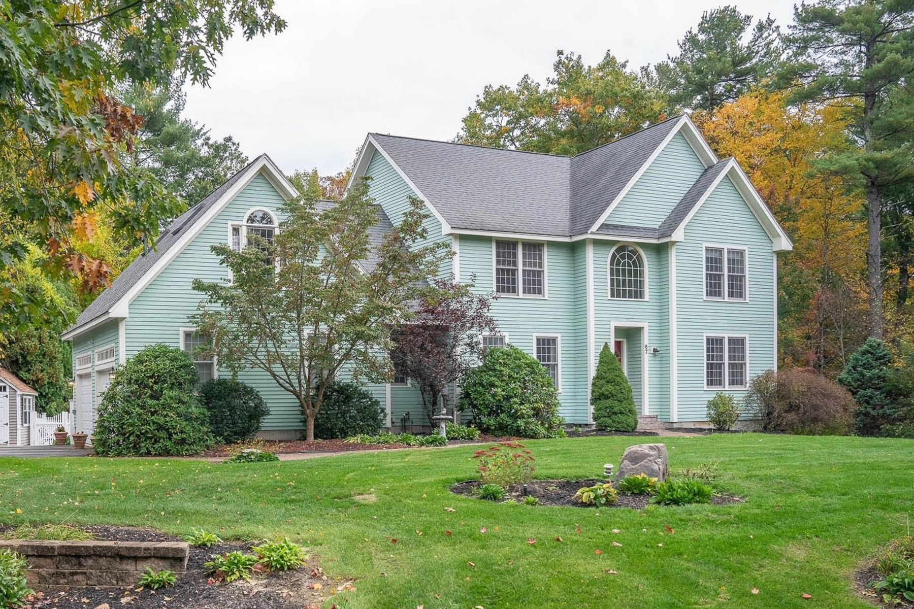 Single Family Homes for Sale at 67 Green Meadow Lane Bedford, New Hampshire 03110 United States