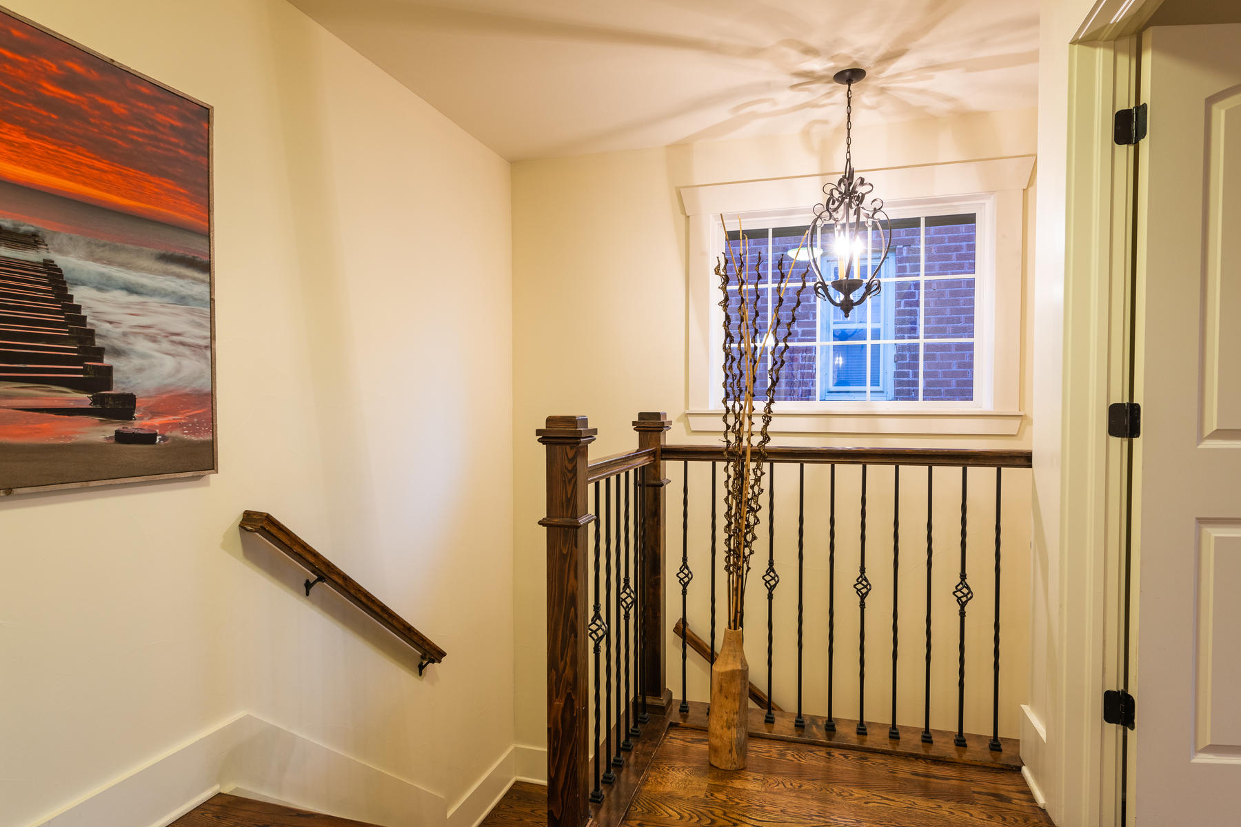 Additional photo for property listing at Brilliant and ultra-cozy East Wash Park space created for entertaining! 545 S Race St Denver, Colorado 80209 United States