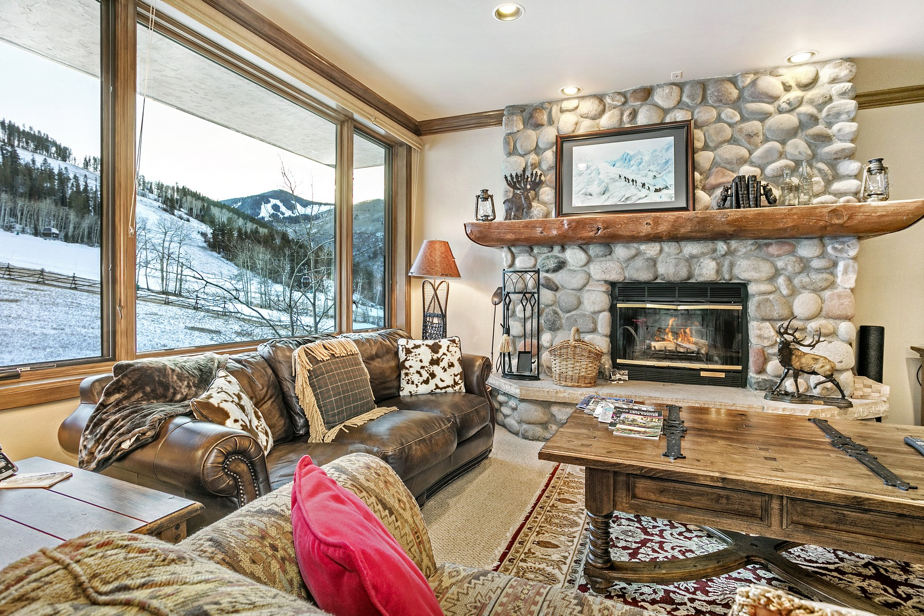 Condominium for Active at Highlands Slope Side #215 96 Highlands Lane #215 Beaver Creek, Colorado 81620 United States