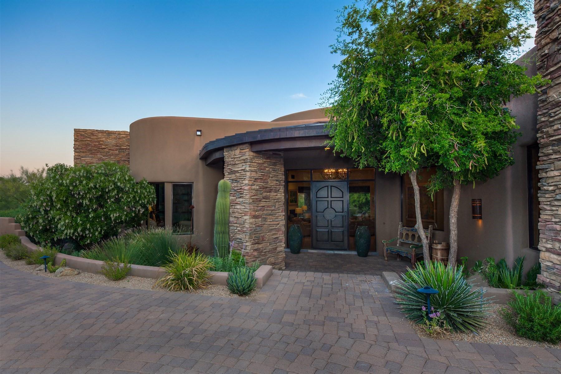 단독 가정 주택 용 매매 에 Classic desert contemporary with beautiful views 41282 N 111th St Scottsdale, 아리조나, 85262 미국