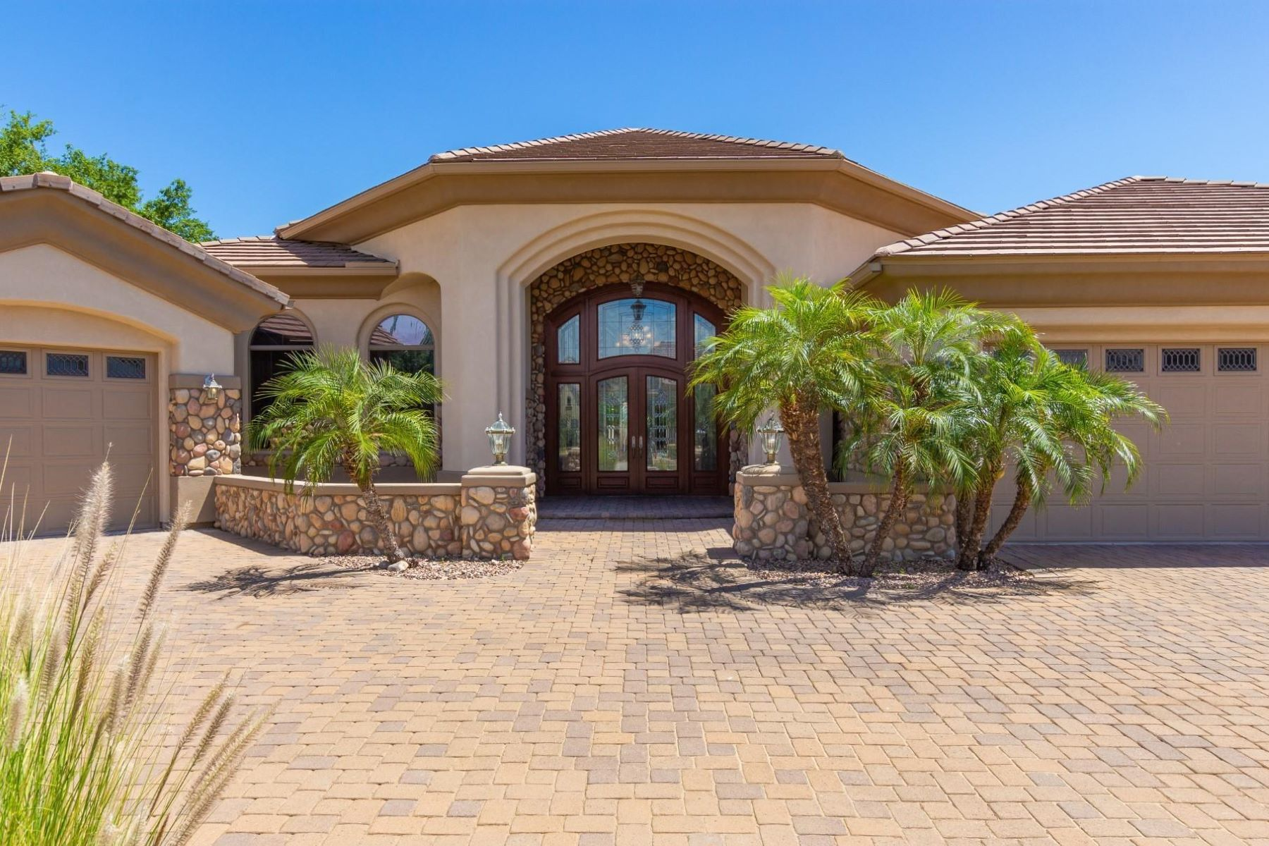 Single Family Homes for Active at Cantera Gates 8313 W Cantera Peoria, Arizona 85383 United States