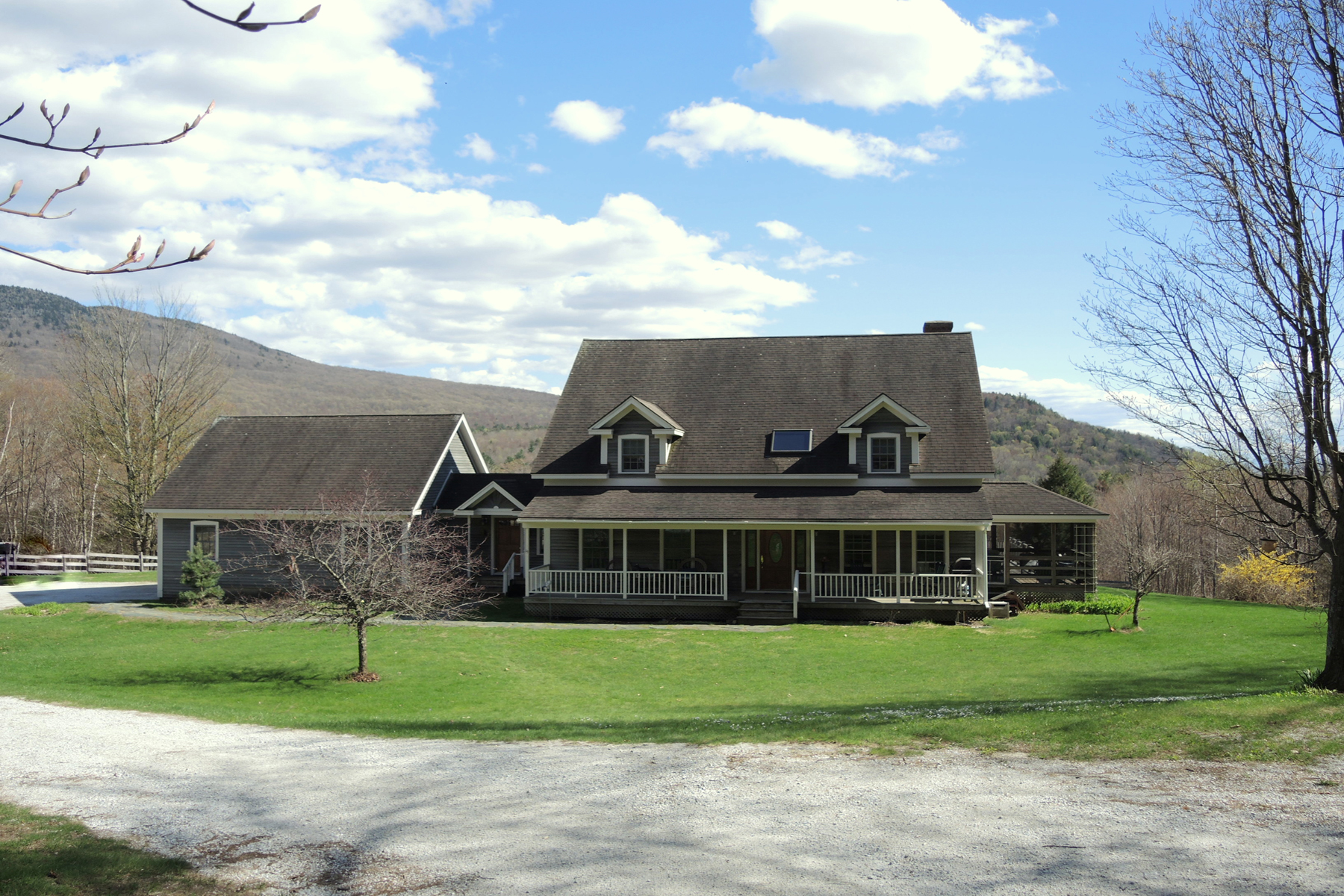 Single Family Homes for Sale at Braeside Farm in Chittenden 22 Horton Hill Rd Chittenden, Vermont 05737 United States