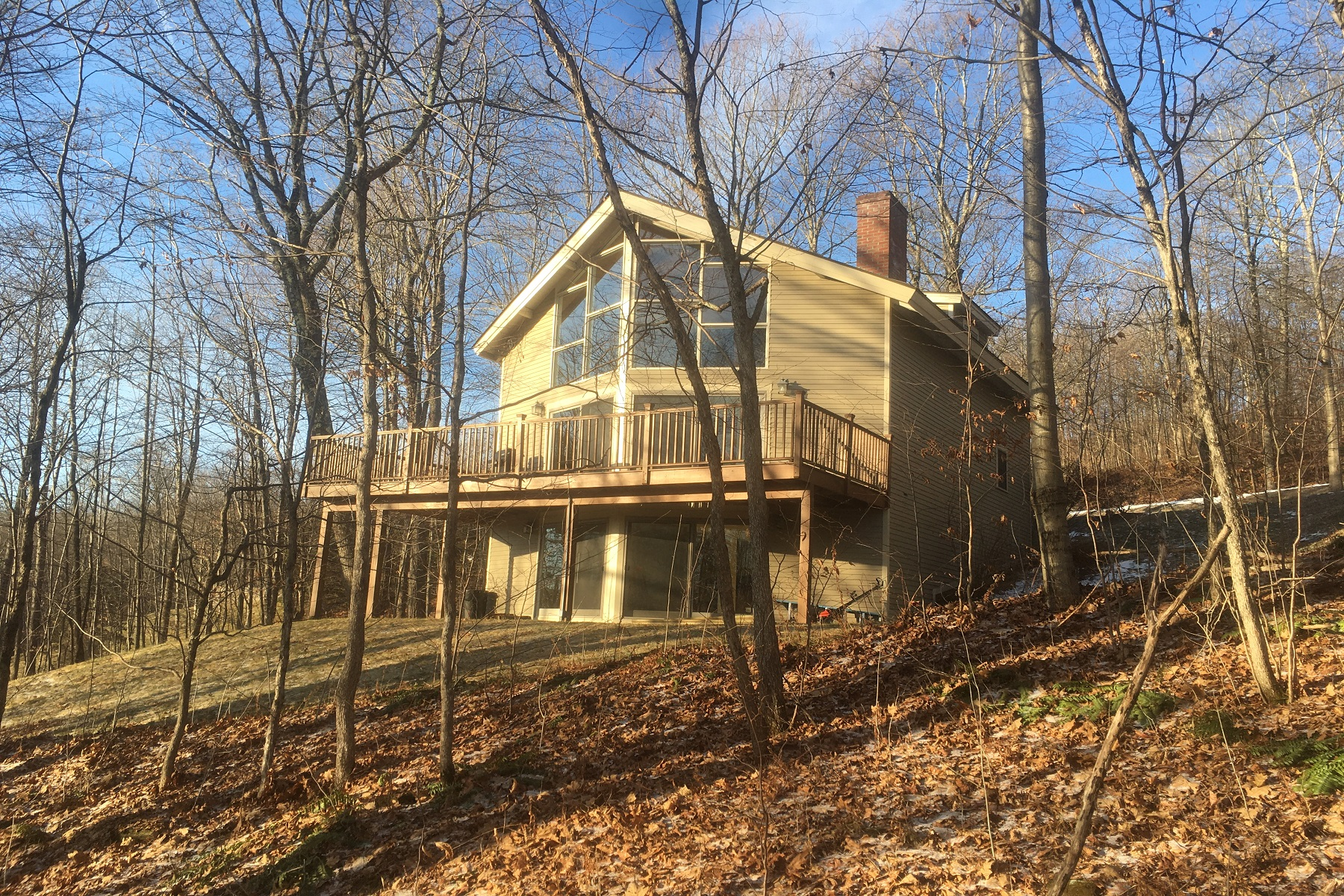 Single Family Homes for Sale at Open Concept Contemporary 160 Bennington Lane Hartford, Vermont 05059 United States