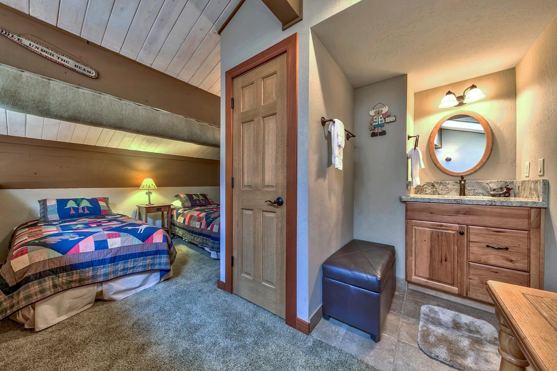 Additional photo for property listing at 9200 Brockway Springs Drive #22, Kings Beach, CA 9200 Brockway Springs Drive #22 Kings Beach, California 96143 United States