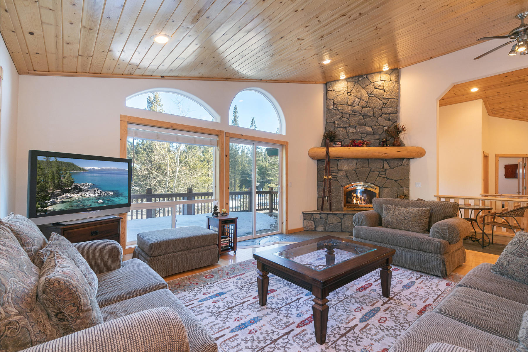 Additional photo for property listing at 14922 Alder Creek Road Truckee California 96161 14922 Alder Creek Road Truckee, California 96161 United States
