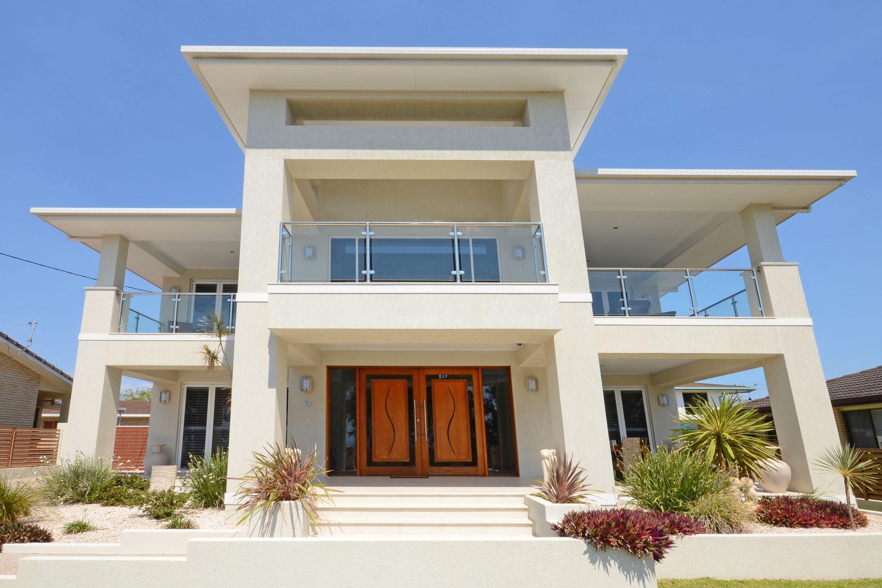 Casa Unifamiliar por un Venta en 127 Esplandade, Point Vernon 127 Esplanade Other Queensland, Queensland, 4655 Australia