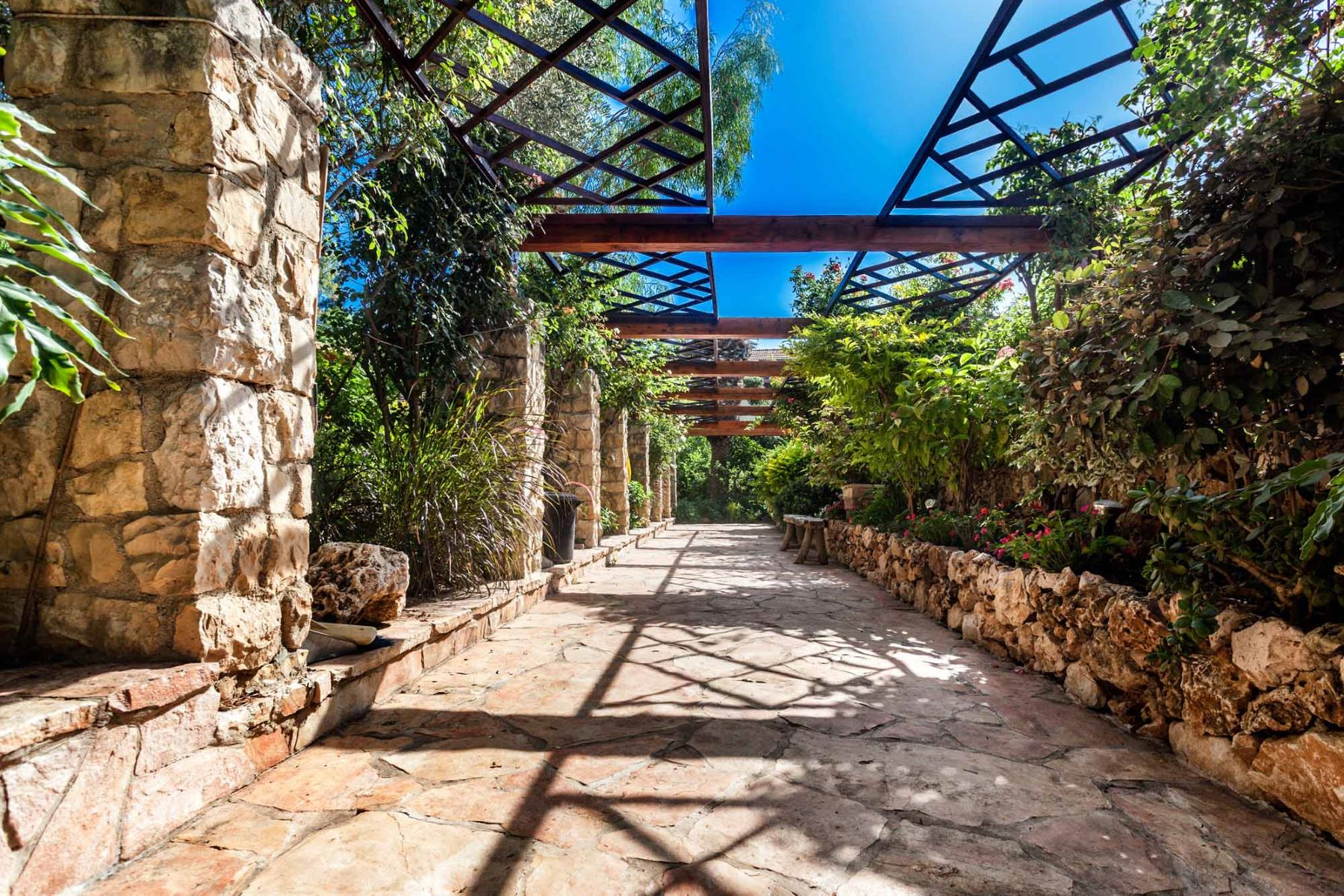Additional photo for property listing at Enchanting Romantic Dream Home Just Outside of Jerusalem Jerusalem, Israel Israel