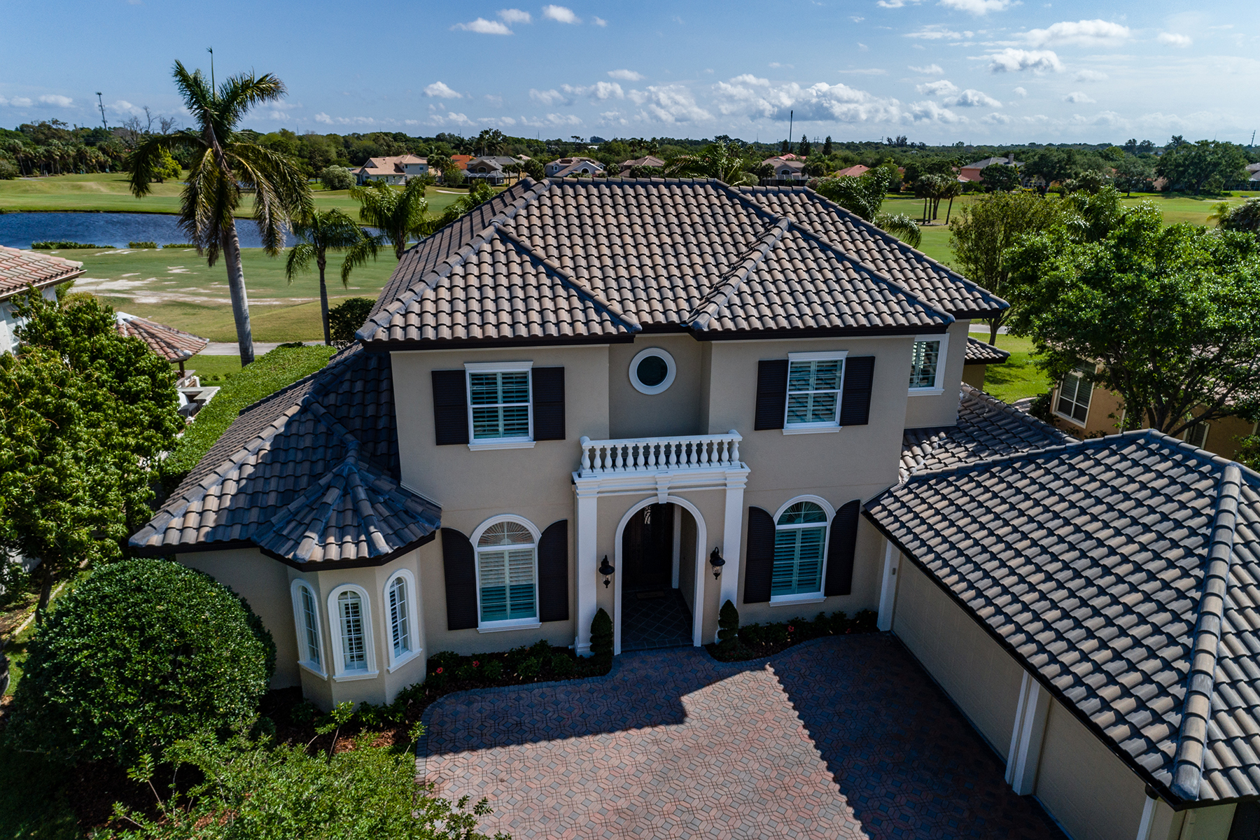 Single Family Homes for Active at 7893 Bayou Club Blvd Largo, Florida 33777 United States