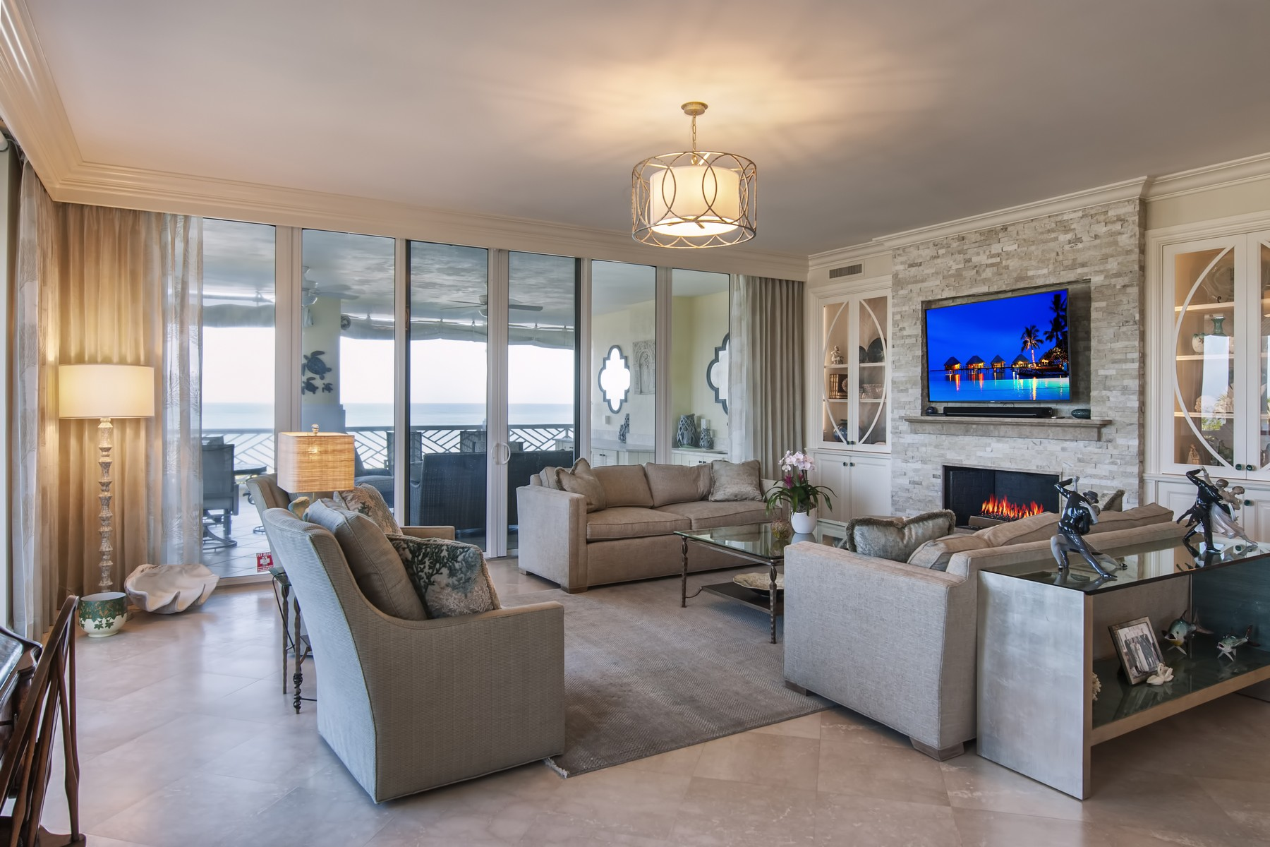 Property pour l Vente à The Finest in Oceanfront Concierge Living! 600 Beachview Drive # 2N Vero Beach, Floride 32963 États-Unis