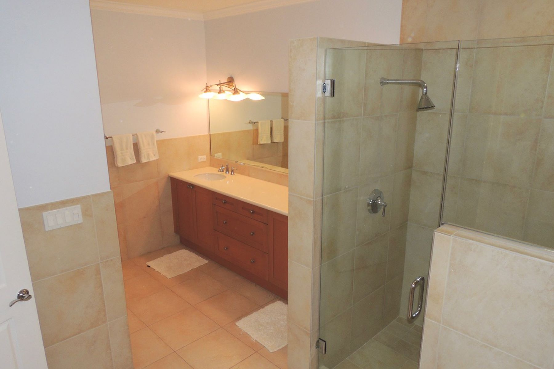 Additional photo for property listing at Eves of Cable Beach Eves Of Cable Beach, Cable Beach, Nassau And Paradise Island Bahamas