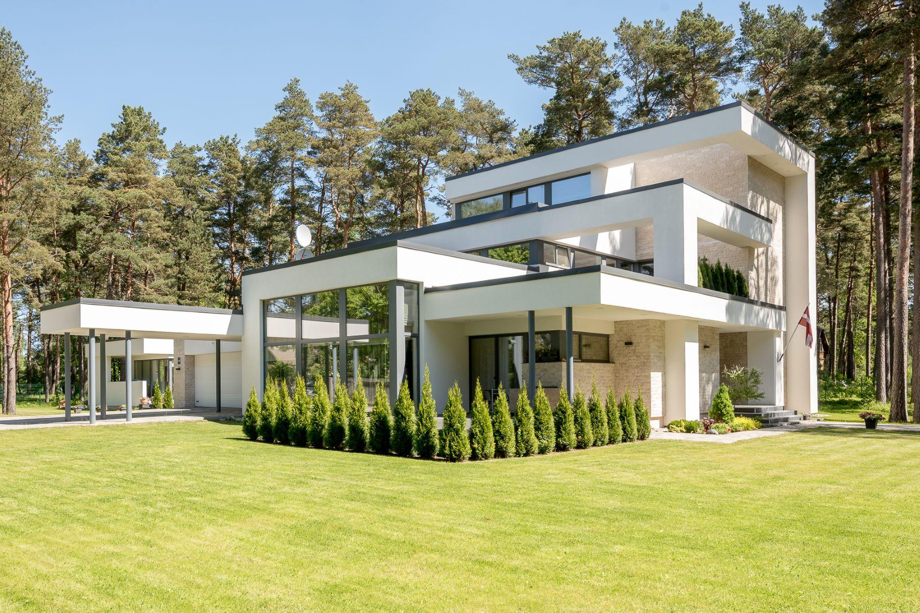 Maison unifamiliale pour l Vente à Modern house in Jurmala Jurmala, Rigas County, Lettonie