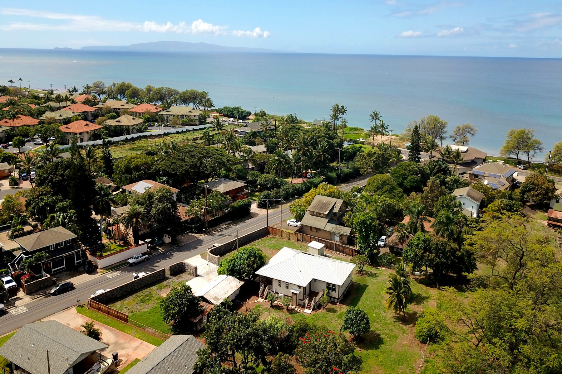 Single Family Homes 為 出售 在 New Home Just Steps to Great Beachfun 47 Ohukai Rd, Kihei, 夏威夷 96753 美國
