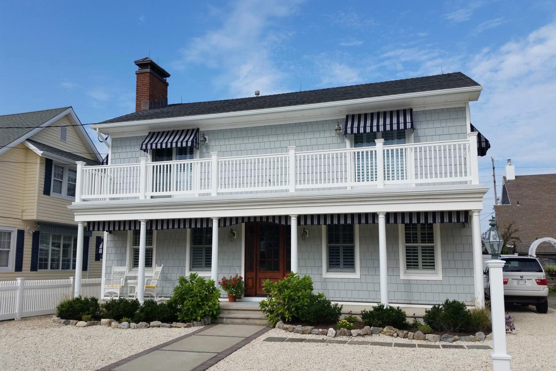 Частный односемейный дом для того Продажа на Wonderful Ocean Heights Ocean Block Home 261 Sunset Lane Mantoloking, Нью-Джерси 08738 Соединенные Штаты
