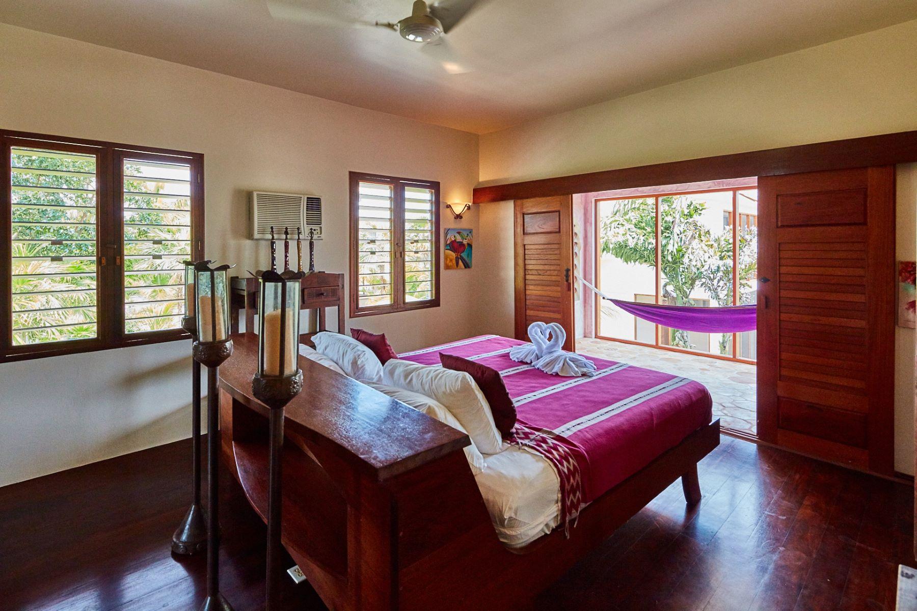 Additional photo for property listing at Villa Amethyst La Perla Del Caribe Villa Amethyst 5.5 Miles North San Pedro San Pedro Town, Belize 0 Belize