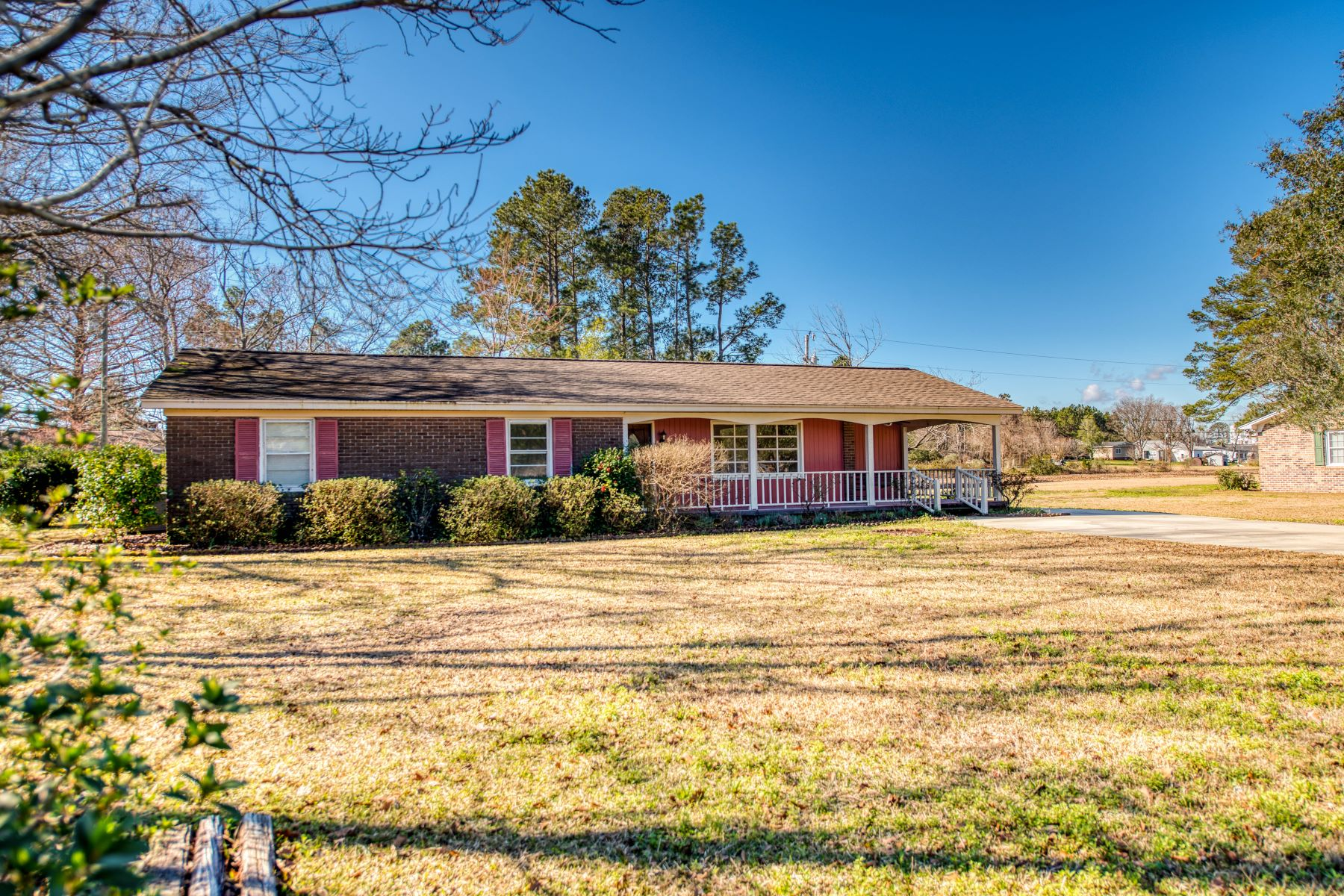 Single Family Homes for Active at 57 Crestwood Drive Andrews, South Carolina 29510 United States