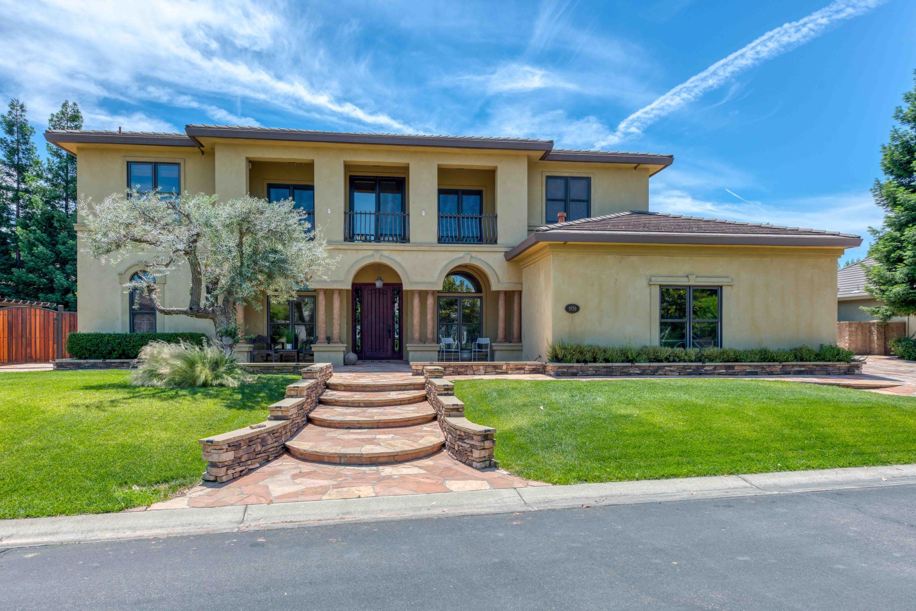 Single Family Homes for Sale at 1930 Cobblestone Court, Yuba City, CA 95993 1930 Cobblestone Ct Yuba City, California 95993 United States