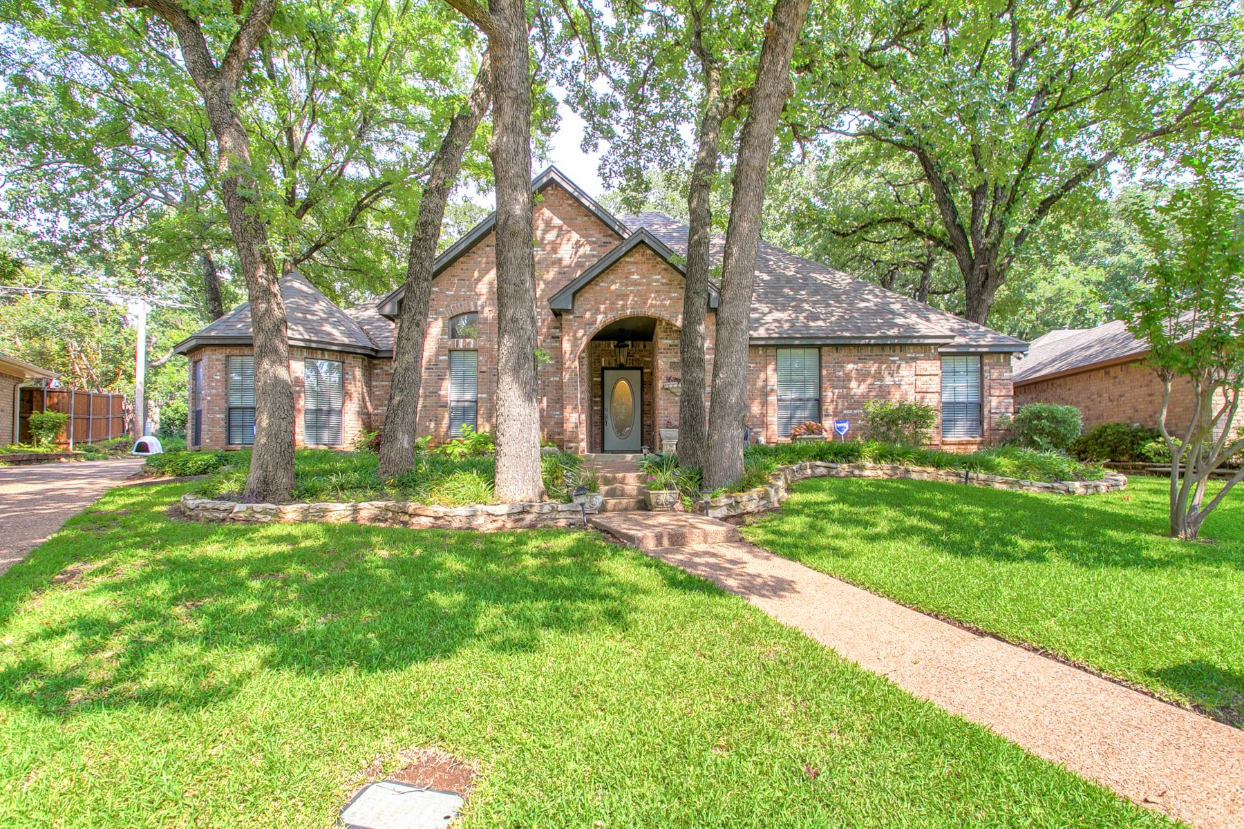 Single Family Homes for Sale at Tree shaded family home 5221 Boyd Trail Arlington, Texas 76017 United States