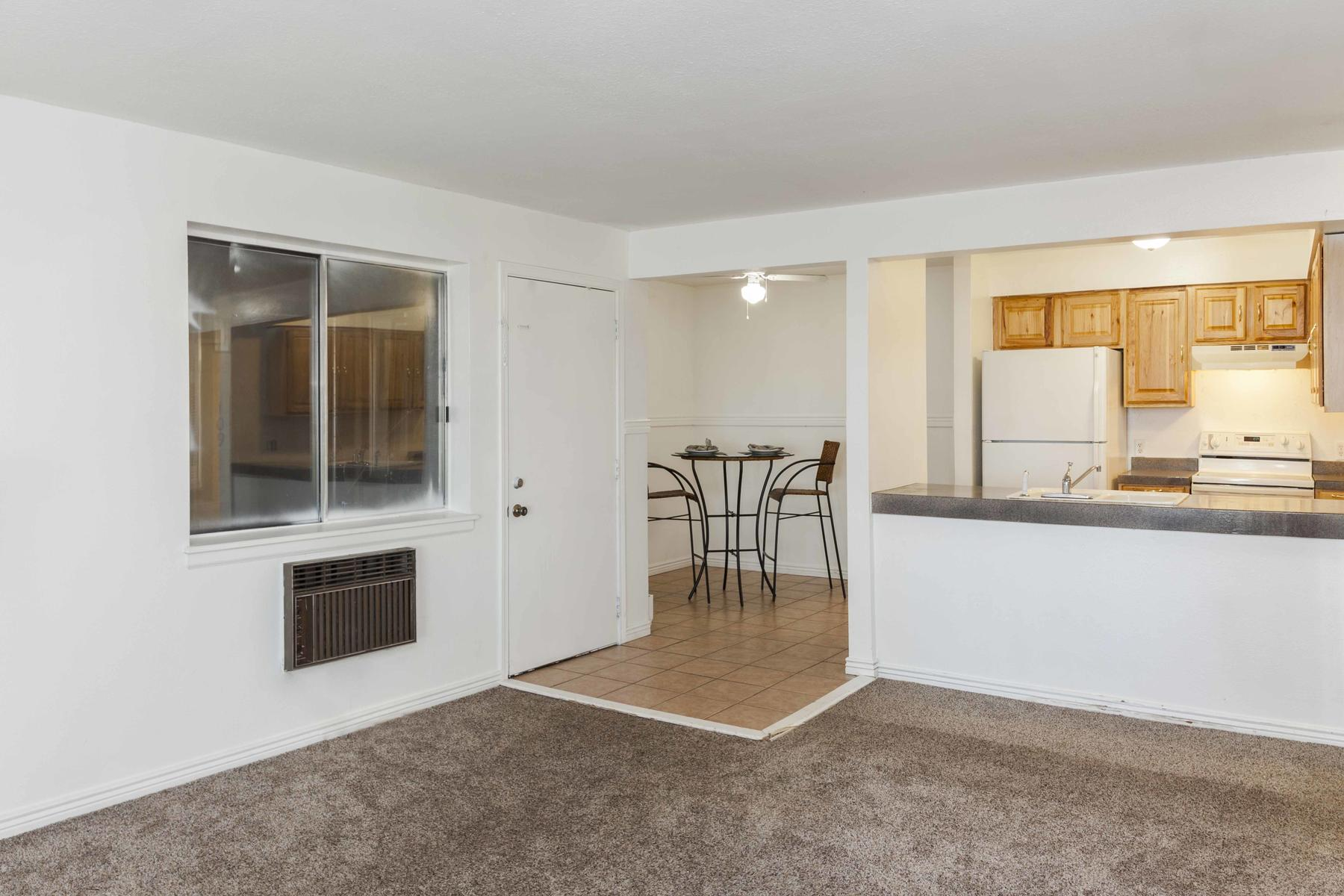 Additional photo for property listing at Adorable Ground Floor Unit In Red Sky Condo Complex 14602 East 2nd Avenue #107C Aurora, Colorado 80011 United States
