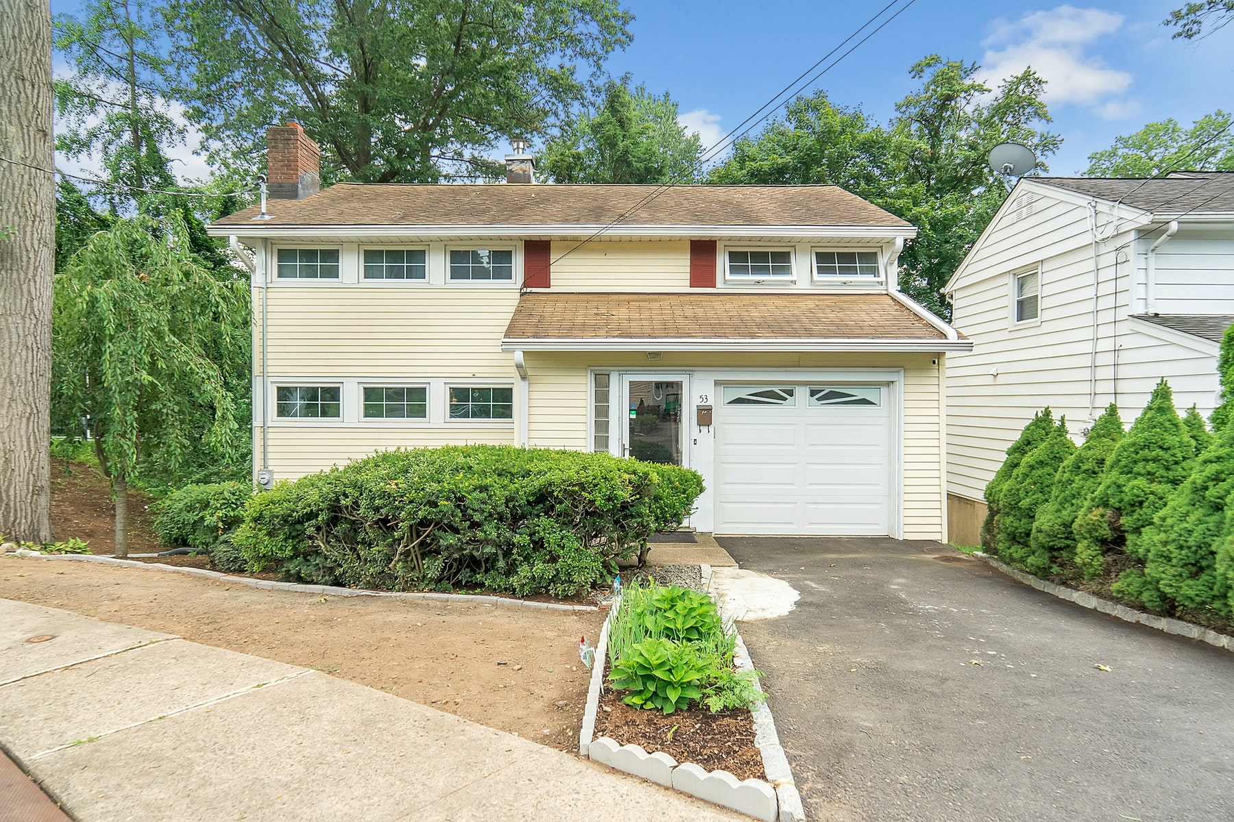 Other Residential Homes for Active at 53 Hudson Street Waldwick, New Jersey 07463 United States