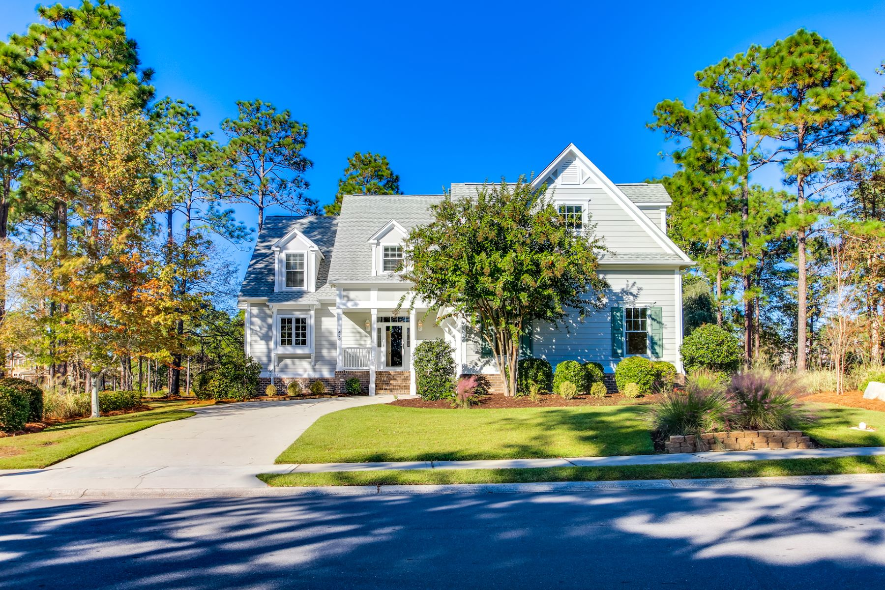 Single Family Homes for Sale at Beautiful Golf Course Home Near The Coast 476 Laurel Valley Drive Shallotte, North Carolina 28470 United States