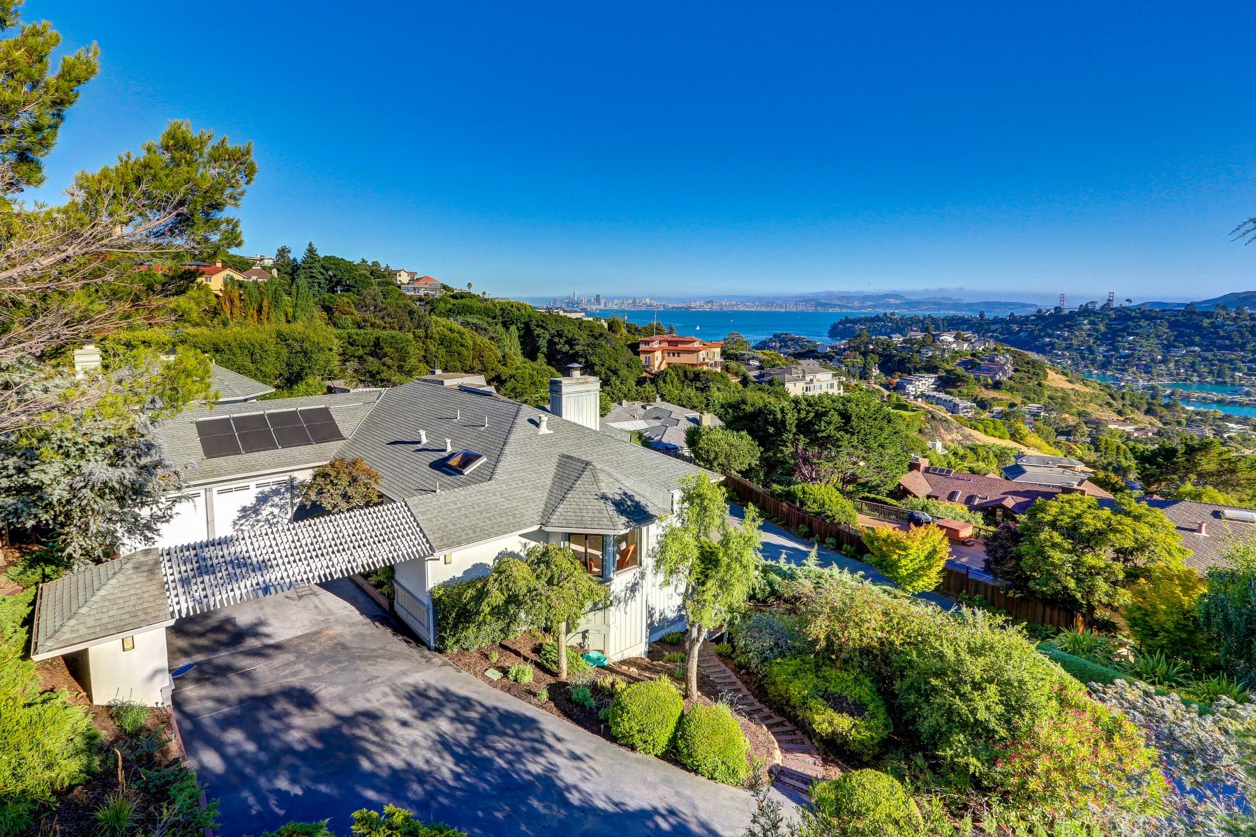 Single Family Home for Sale at Spacious Tiburon Family Home with Spectacular Views 31 Meadow Hill Drive Tiburon, California, 94920 United States