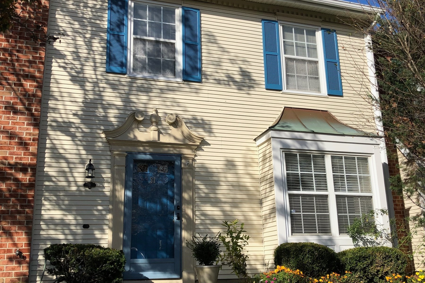Single Family Home for Sale at 31 Sun Beau Court Tinton Falls, New Jersey 07724 United States