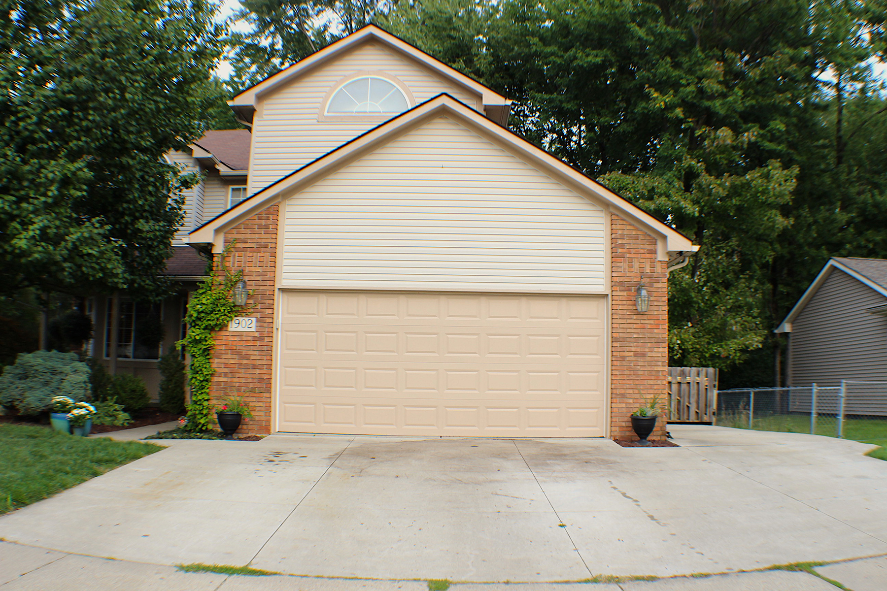 Single Family Homes for Sale at Troy 1902 Hartshorn Avenue Troy, Michigan 48083 United States