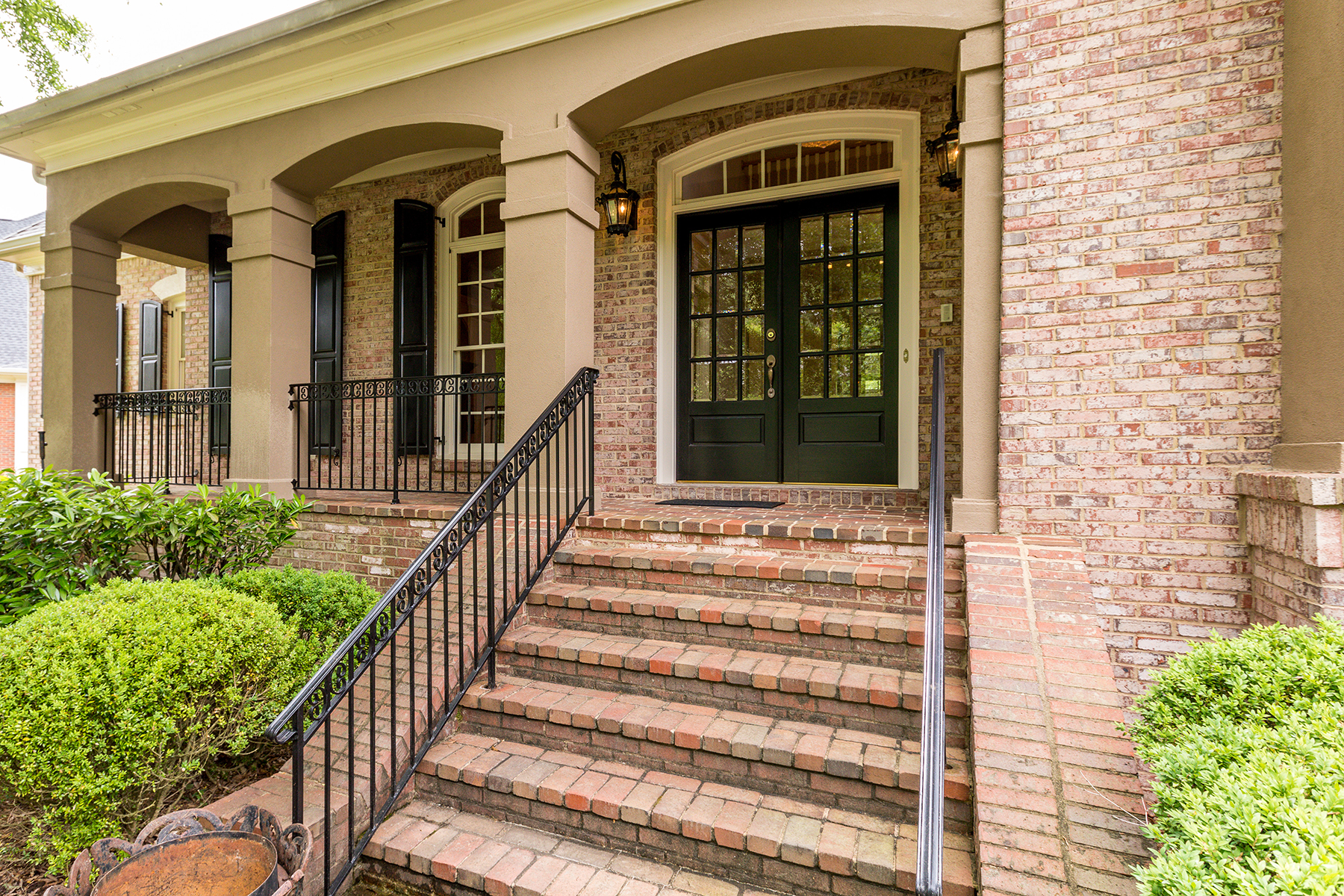 Additional photo for property listing at Custom Brick Home In Gated Winfield 310 Marshy Pointe, Johns Creek, ジョージア 30097 アメリカ