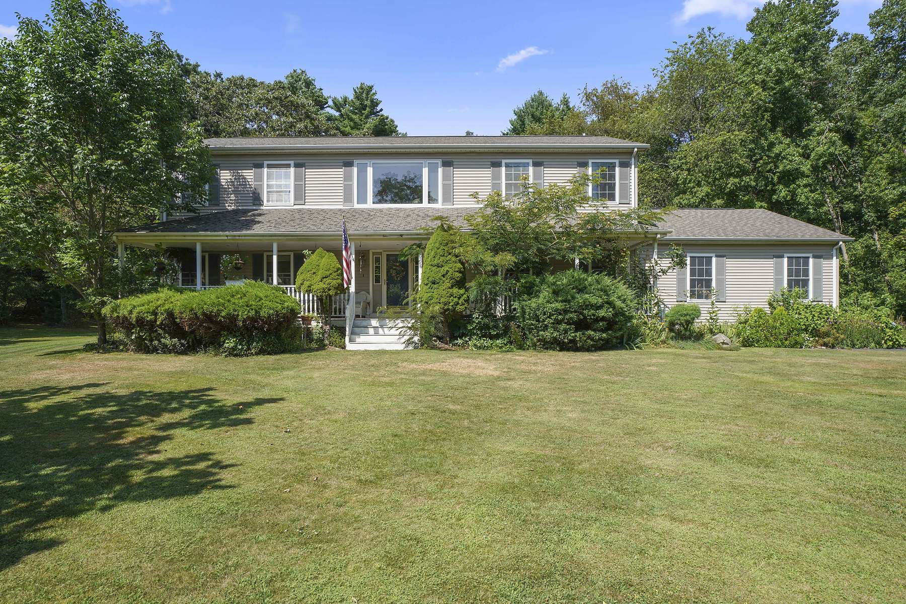 Single Family Homes for Sale at 56 Spring Street, Rehoboth 56 Spring Street Rehoboth, Massachusetts 02769 United States