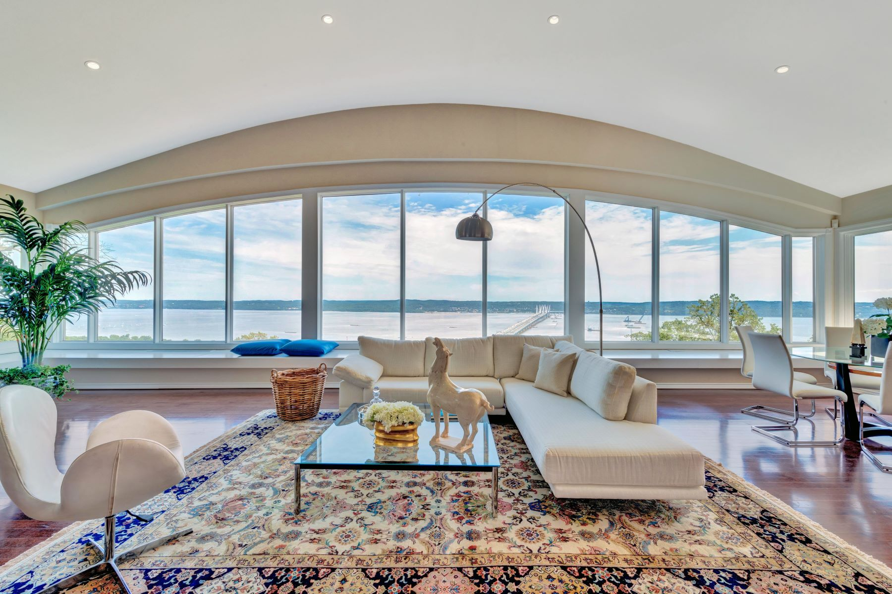 Single Family Homes for Sale at Expansive Hudson River Views! 9 Tweed Blvd. Upper Grandview, New York 10960 United States