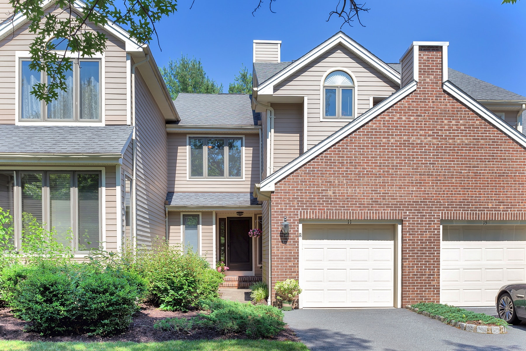 townhouses for Sale at Warm & Welcoming Townhouse 11 Tiffany Court Montville, New Jersey 07045 United States