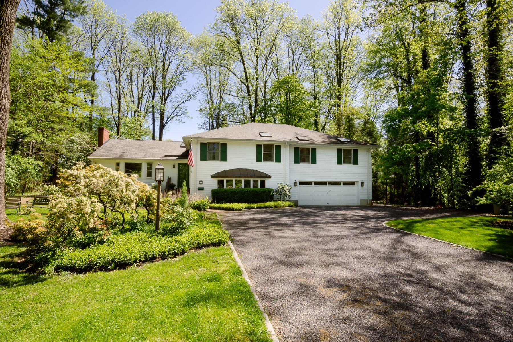 Property voor Verkoop op Versatility and Spaciousness in Western Section 9 Pardoe Road, Princeton, New Jersey 08540 Verenigde Staten