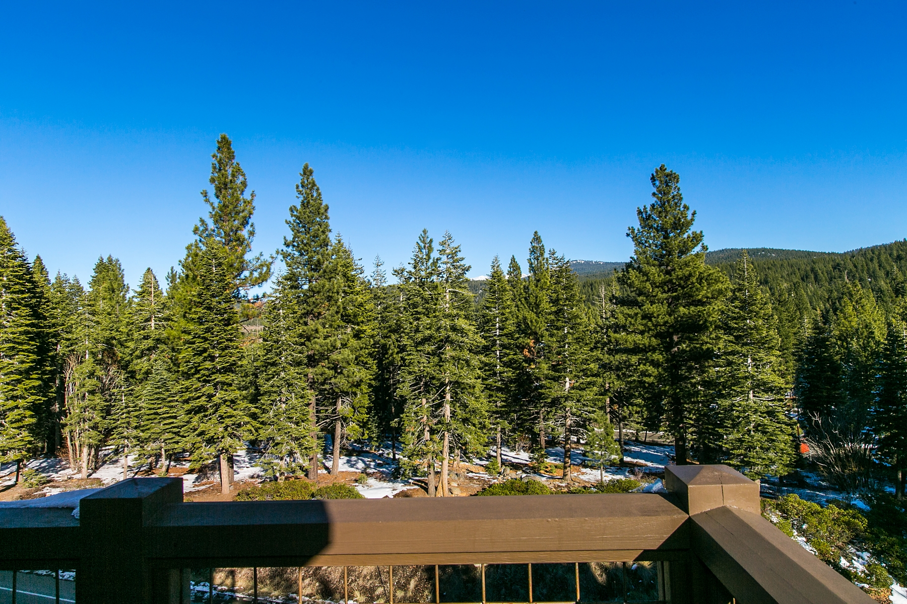 Additional photo for property listing at 7213 Larkspur Court #6, Truckee, CA  Truckee, California 96161 United States