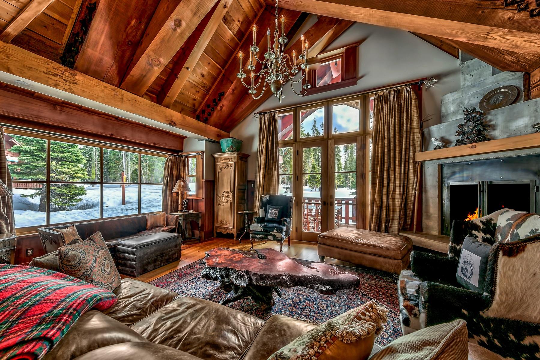 独户住宅 为 销售 在 740 Twinberry, Norden, CA 95724 740 Twinberry Norden, 加利福尼亚州 95724 美国