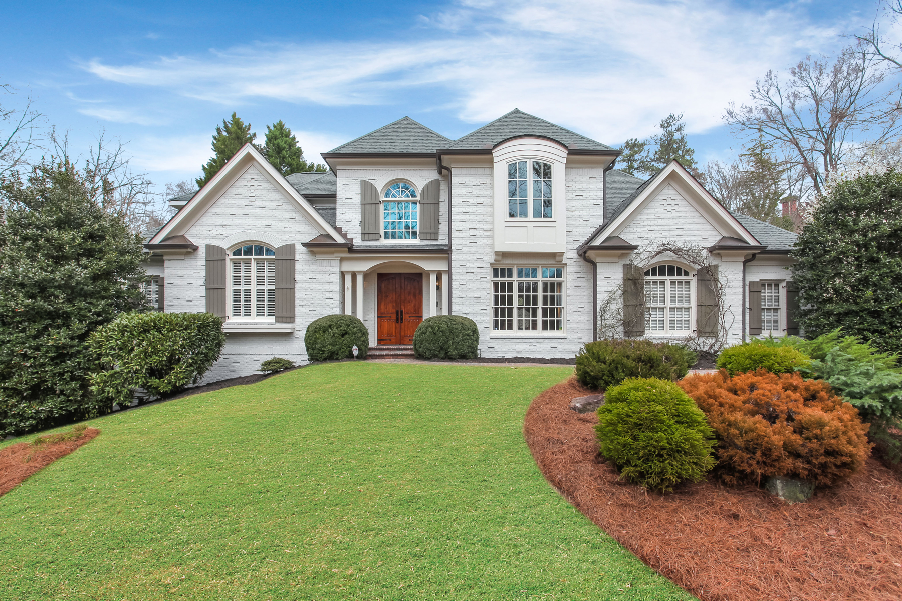 Single Family Homes for Sale at Stunning Home on 1.1+/- Acre Lot in Sandy Springs 495 Londonberry Road Sandy Springs, Georgia 30327 United States