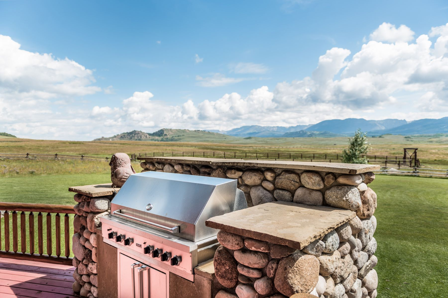 Additional photo for property listing at Ultimate Hobby Ranch 30 Vista Road Cora, Wyoming 28925 United States