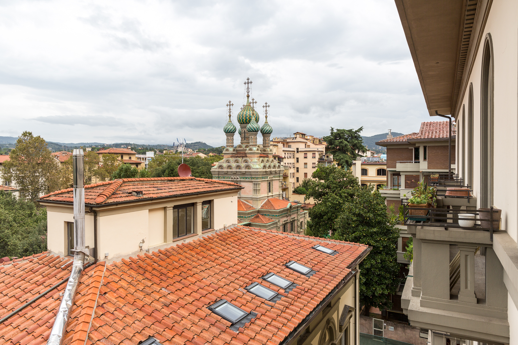 Additional photo for property listing at Appartement design à Florence Via Lorenzo il Magnifico Firenze, Florence 50129 Italie
