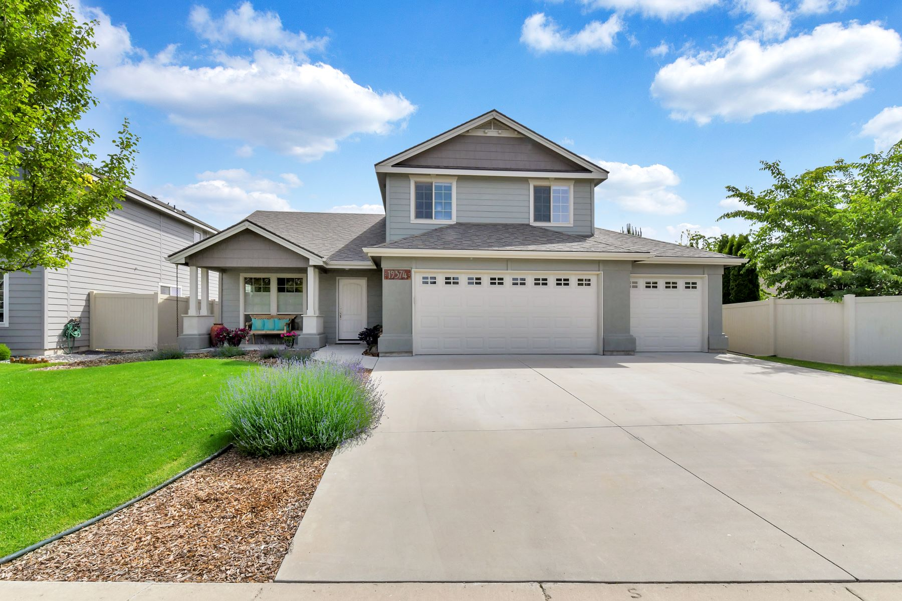 Single Family Homes for Sale at 19374 Goldfinch Way, Caldwell 19374 Goldfinch Way Caldwell, Idaho 83605 United States