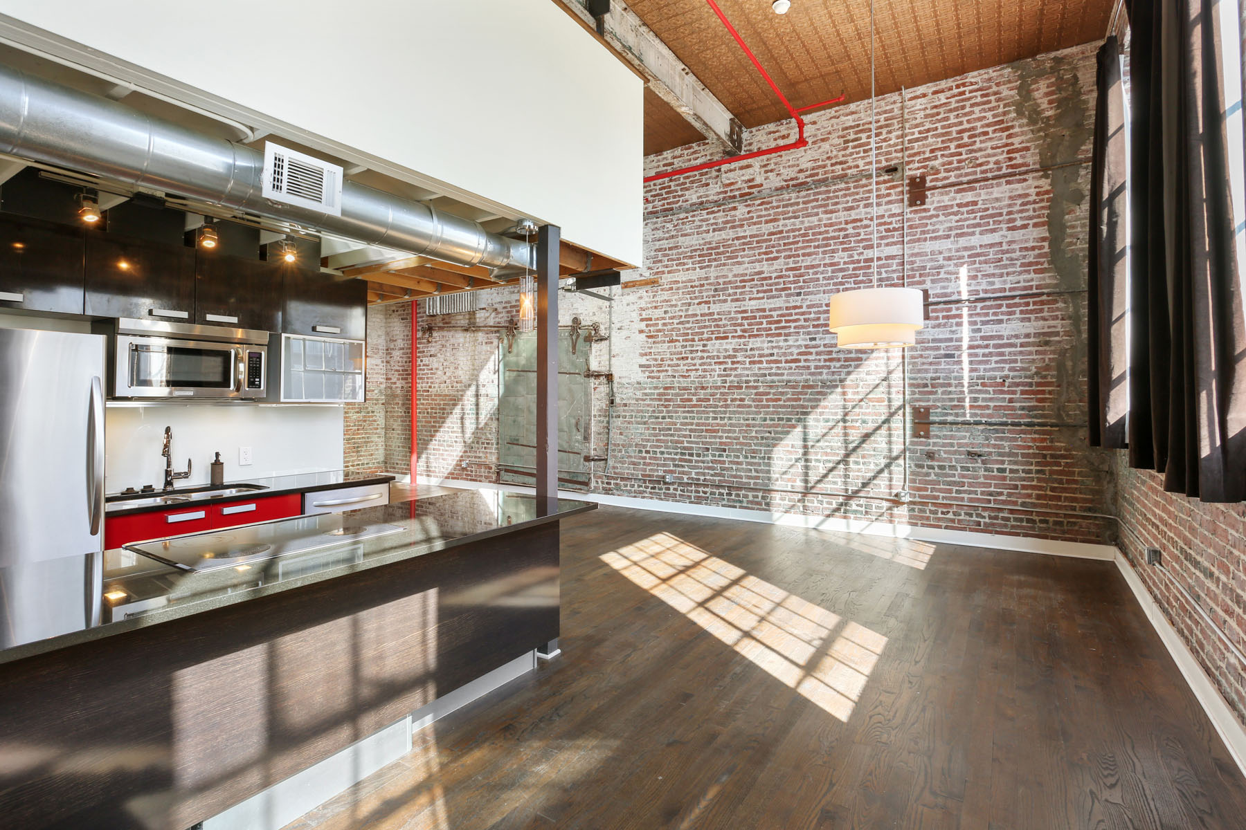Кондоминиум для того Продажа на Gorgeous Authentic Loft in Prime Old Fourth Ward Location 650 Glen Iris Drive NE Unit 23, Atlanta, Джорджия, 30308 Соединенные Штаты