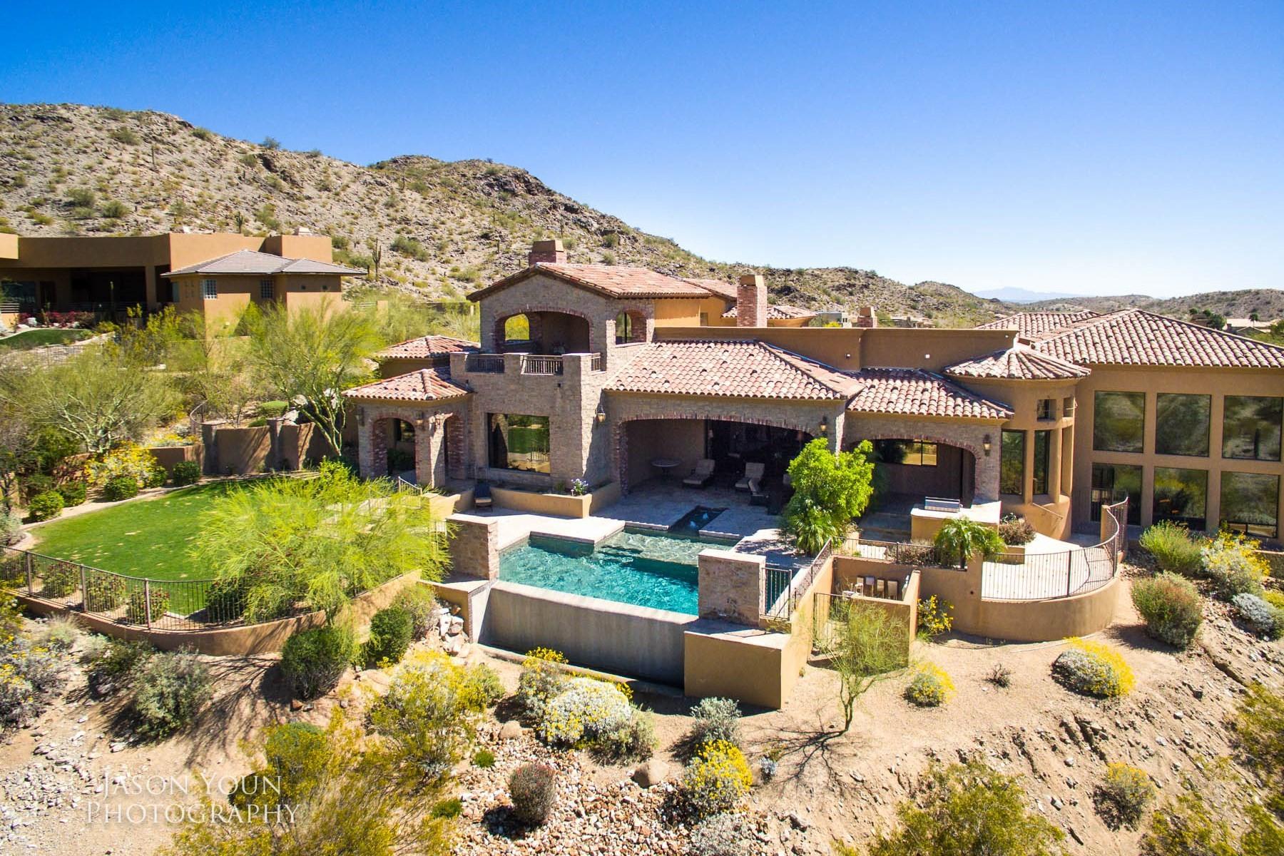 Частный односемейный дом для того Продажа на Hilltop custom Tuscan home in the gated community of Canyon Reserve 13808 S Canyon Dr Phoenix, Аризона, 85048 Соединенные Штаты