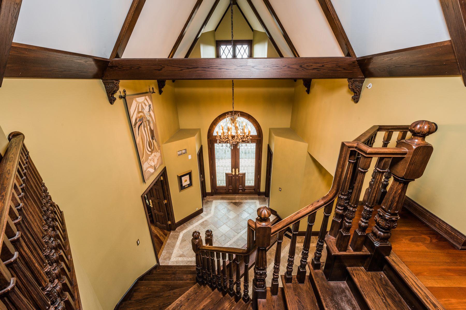 Частный односемейный дом для того Продажа на 61 Brinker Barrington Hills 61 Brinker Road, Barrington Hills, Иллинойс, 60010 Соединенные Штаты