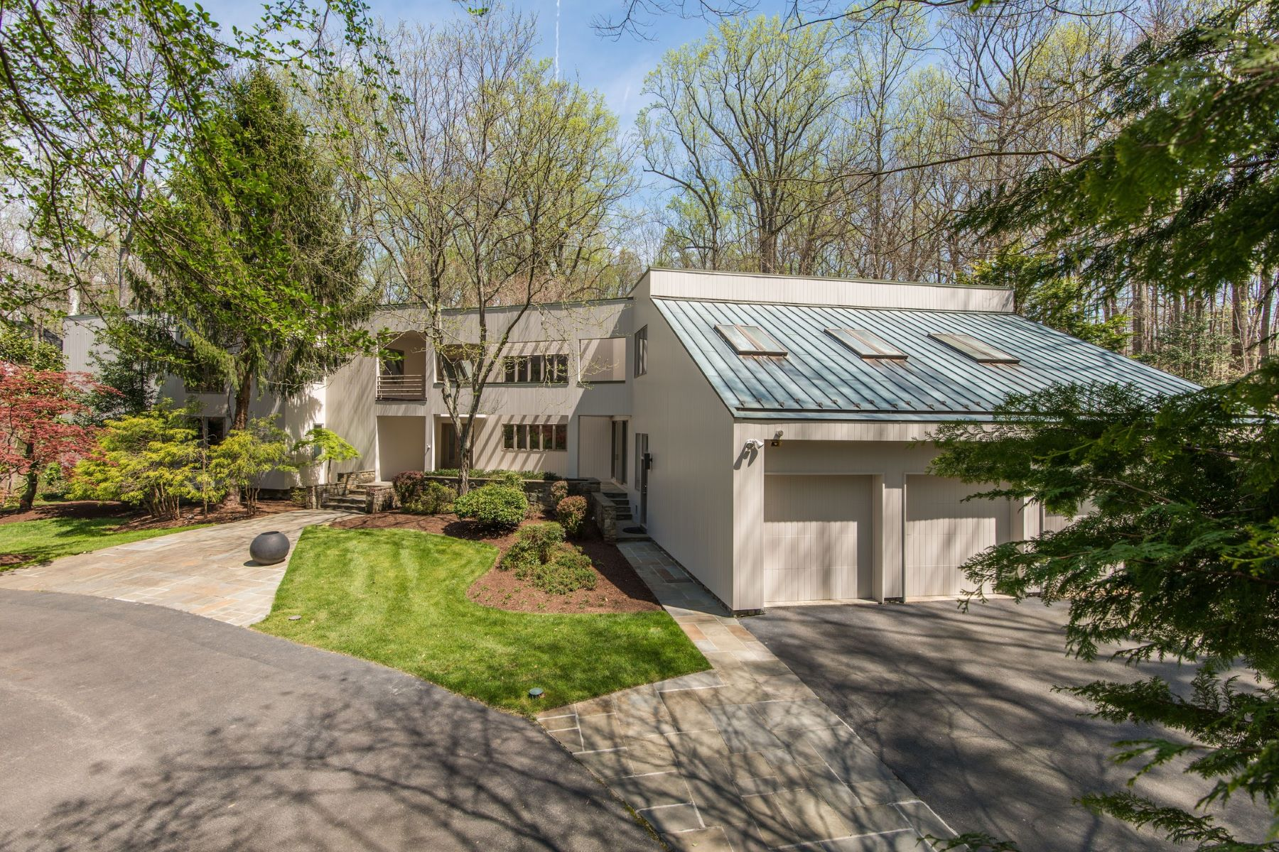 Casa Unifamiliar por un Venta en Rare Contemporary 905 Mackall Ave McLean, Virginia, 22101 Estados Unidos