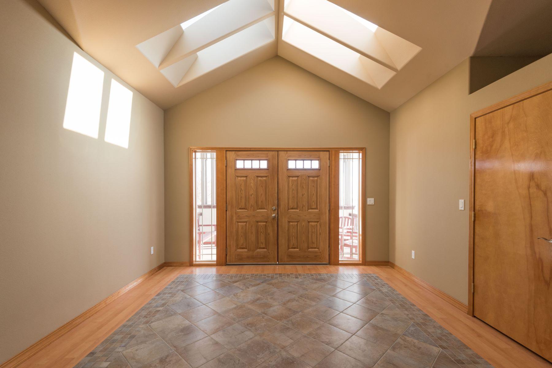 Частный односемейный дом для того Продажа на Amazing Views on .91 acres! 100804 E Reata Road Kennewick, Вашингтон 99338 Соединенные Штаты