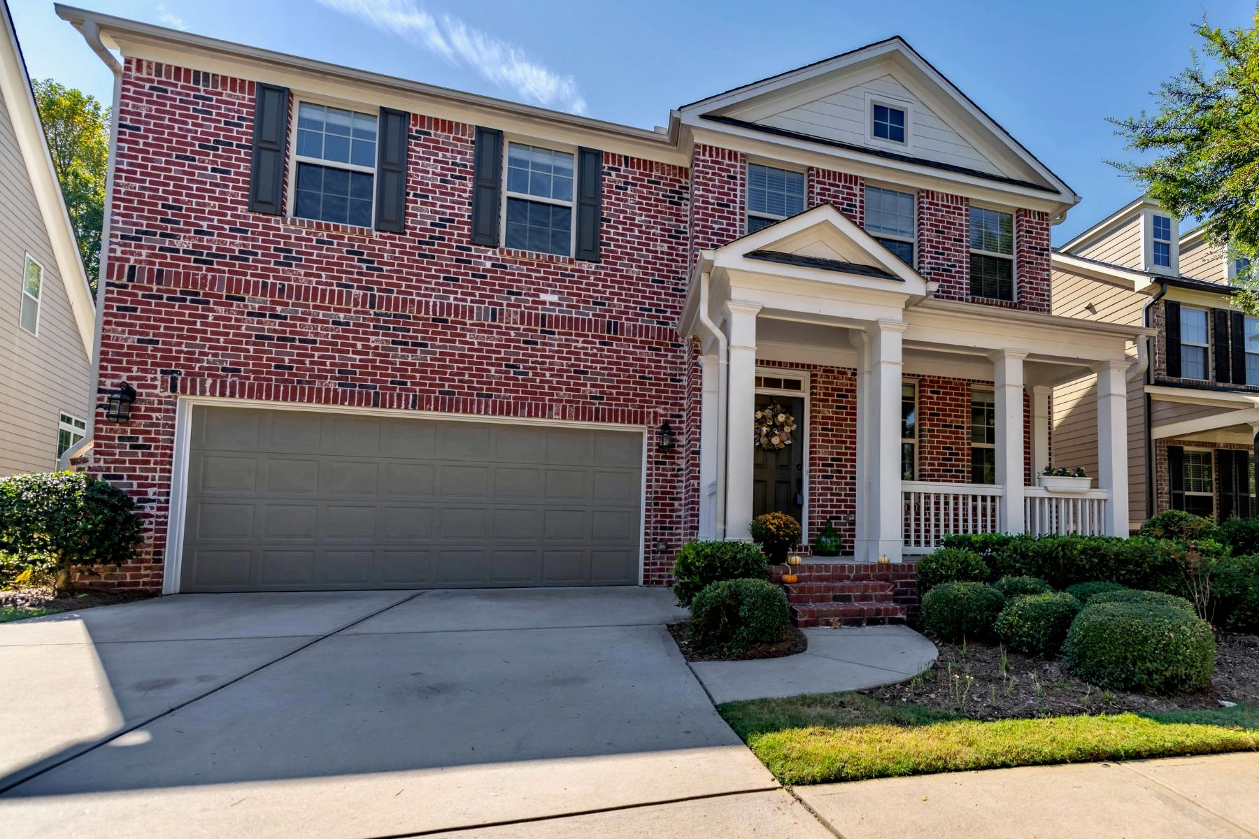 Property のために 売買 アット Traditional Home In Woodbridge Crossing 4530 Wilkerson Place SE, Smyrna, ジョージア 30082 アメリカ