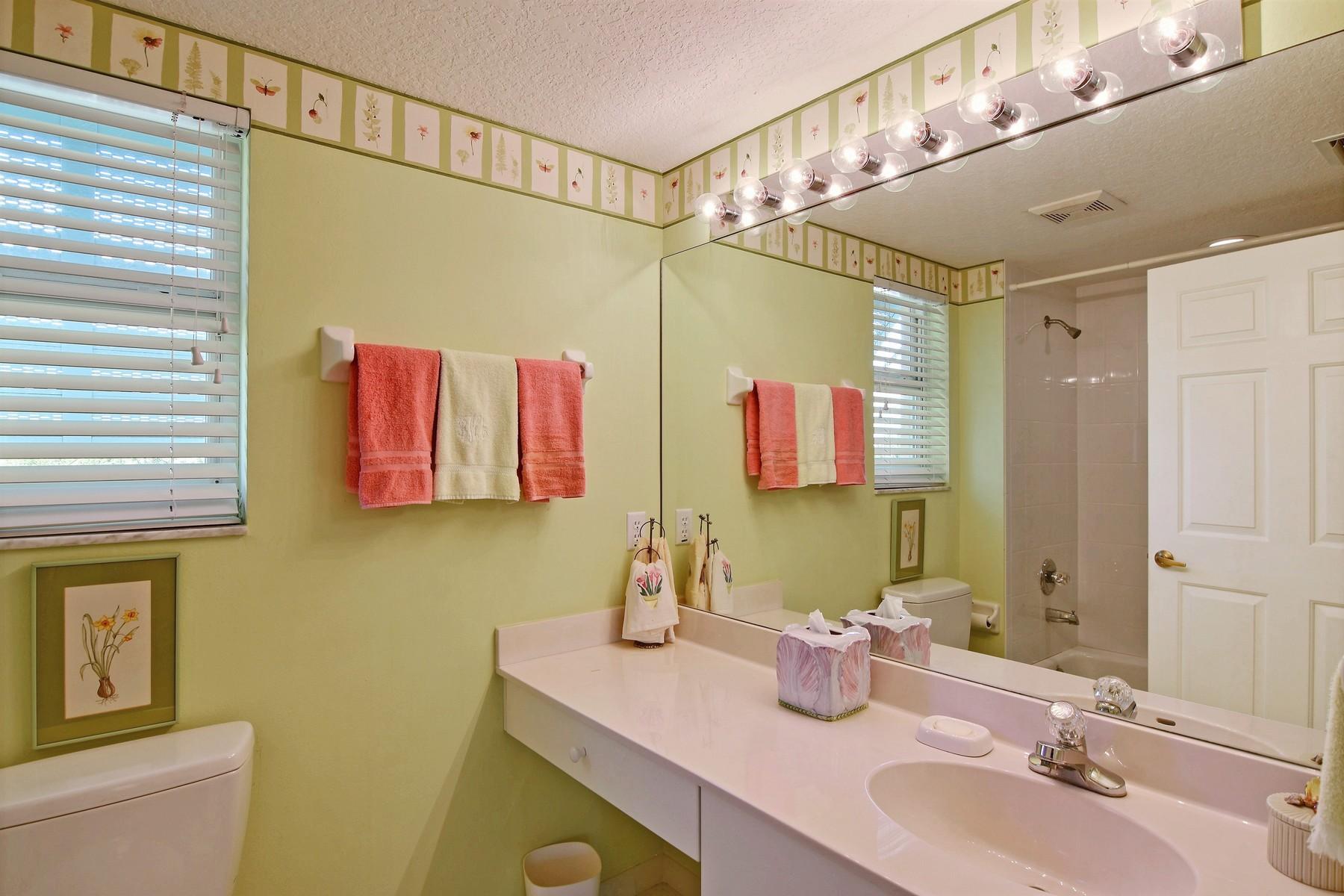 Additional photo for property listing at Sea Oaks Beach Villa 8814 S Sea Oaks Way Unit 304 Vero Beach, Florida 32963 United States