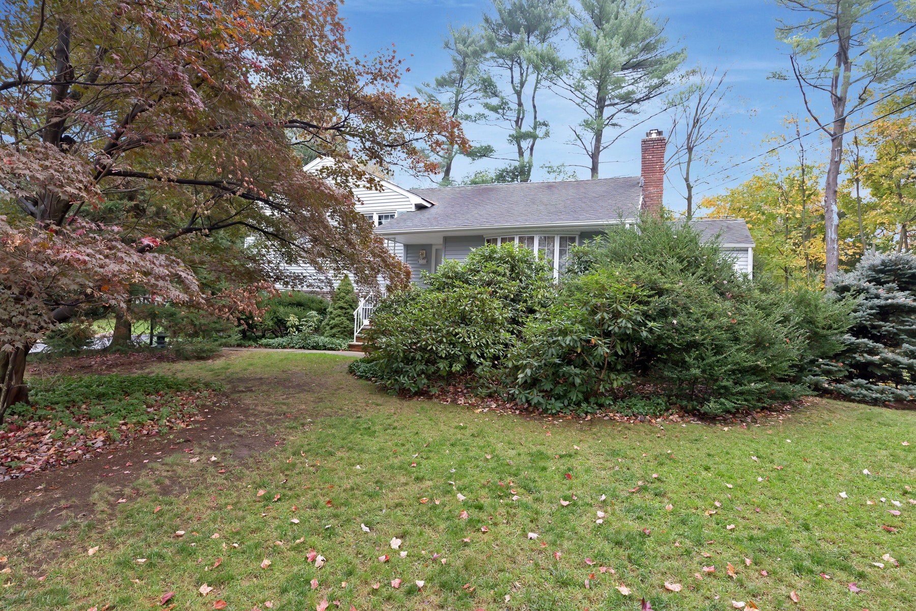 Single Family Home for Sale at Delightful Home 1910 Inverness Dr Scotch Plains, New Jersey 07076 United States
