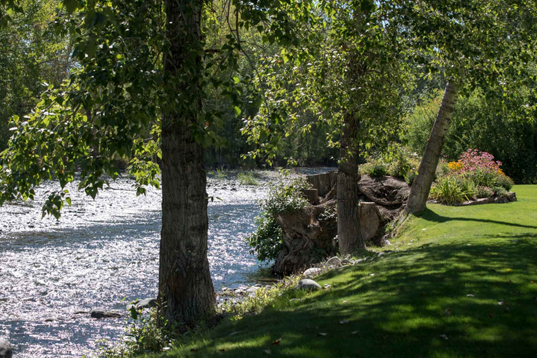 Additional photo for property listing at On The River In Golden Eagle 180 S Golden Eagle Dr Ketchum, Idaho 83340 United States