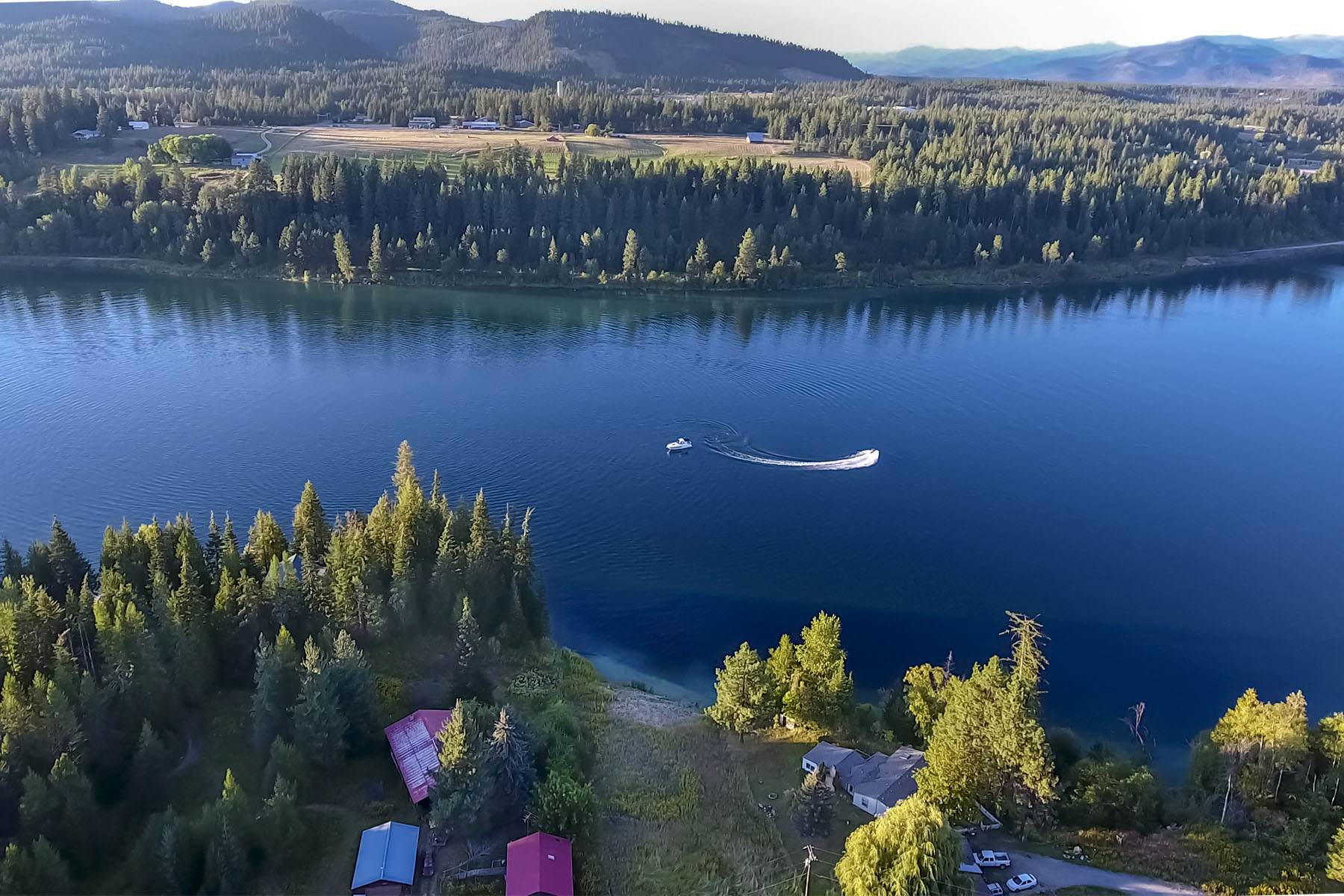 Terreno per Vendita alle ore Waterfront lot on the Pend Oreille River NNA-Lot 19 Riverside Rd Priest River, Idaho, 83856 Stati Uniti