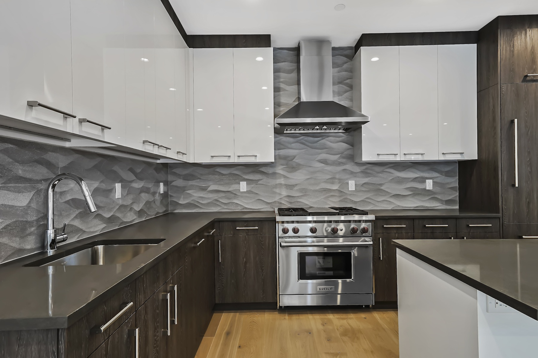 Additional photo for property listing at 84 Oak 84 Oak Street 1A Brooklyn, New York 11222 United States